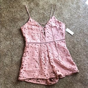 💥NEW💥 Kendall and Kylie pink lace romper! Size M